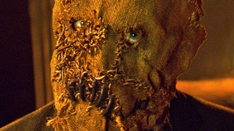 Gotham'a Bir Kötü Daha: Korkuluk!