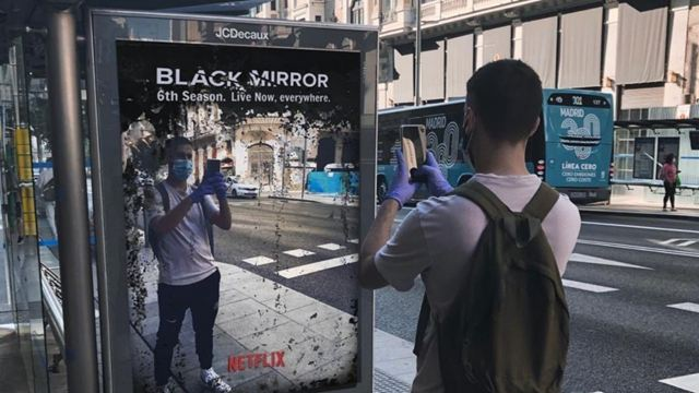 Netflix, Yaşanan Olayları Black Mirror Reklamına Dönüştürdü