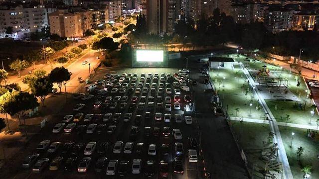 Antalya Konyaaltı'nda Arabalı Açık Hava Sineması'na İlgi Yoğun!