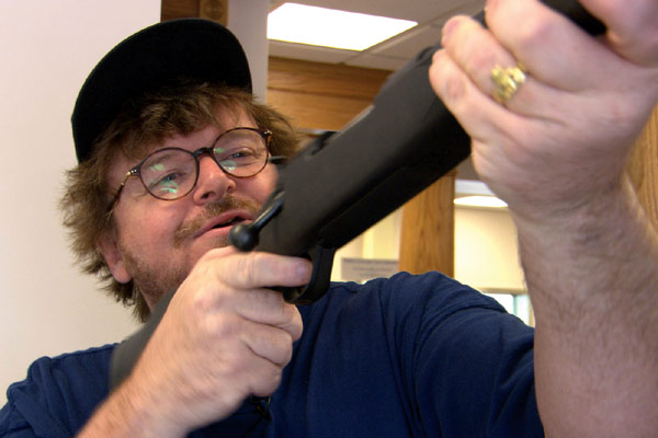 Benim Cici Silahim : Fotograf Michael Moore