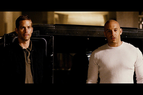 Hizli ve Öfkeli 4 : Fotograf Paul Walker, Vin Diesel
