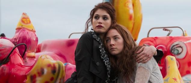 Bir Vampir Hikayesi: Saoirse Ronan, Gemma Arterton