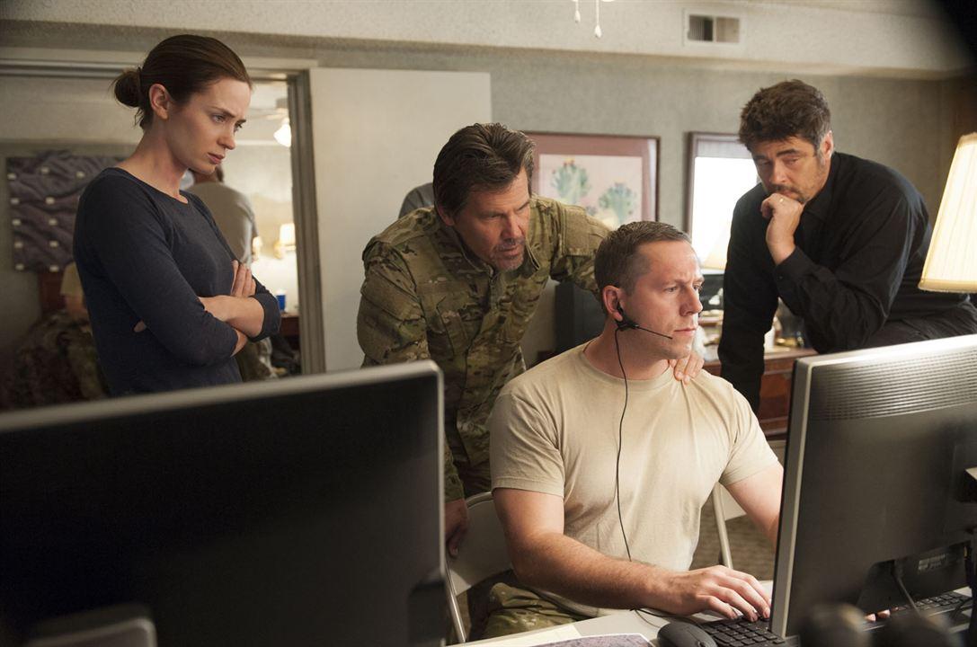 Sicario : Fotograf Benicio Del Toro, Emily Blunt, Josh Brolin