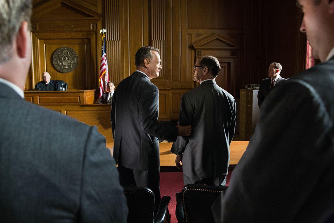 Casuslar Köprüsü : Fotograf Mark Rylance, Tom Hanks