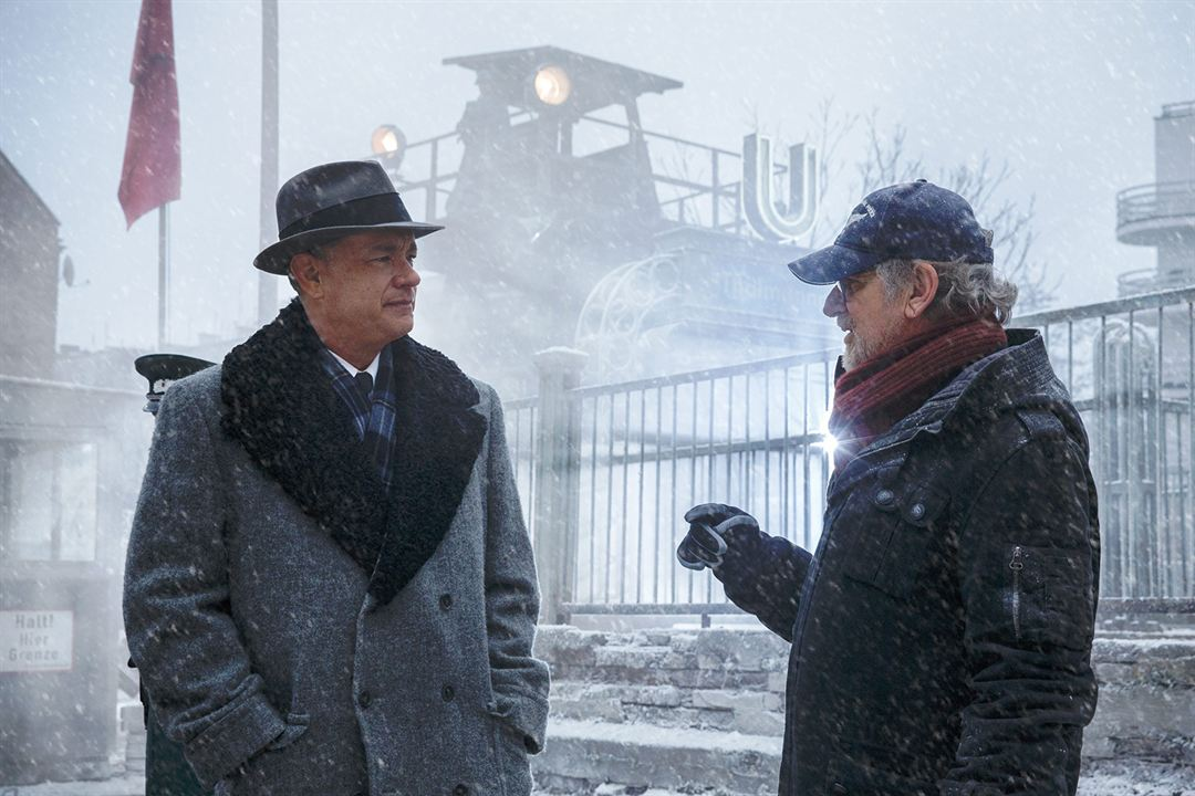 Casuslar Köprüsü : Fotograf Steven Spielberg, Tom Hanks
