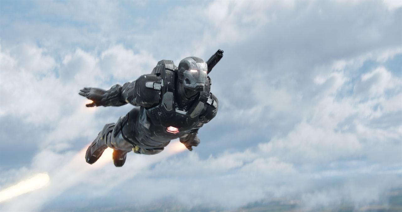 Kaptan Amerika: Kahramanlarin Savasi : Fotograf Don Cheadle