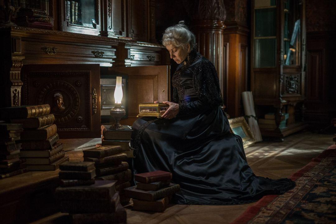 Winchester Gizemli Ev : Fotograf Helen Mirren