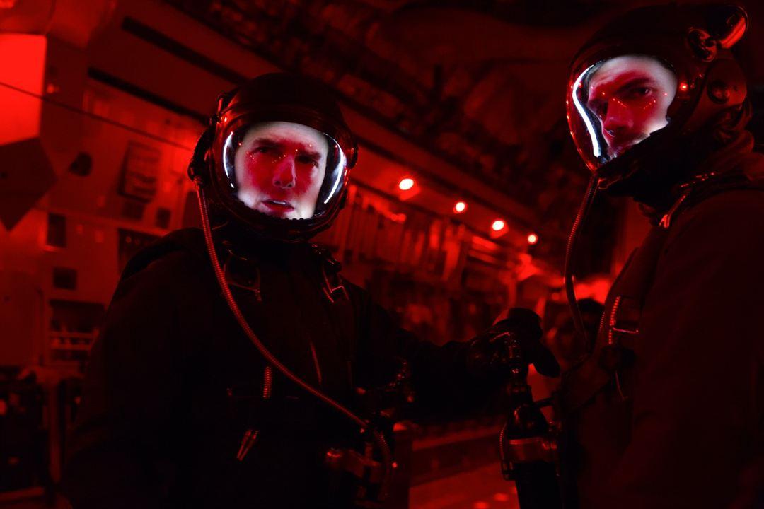 Mission: Impossible Yansimalar : Fotograf Henry Cavill, Tom Cruise