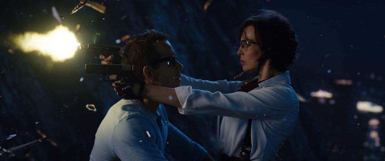 Gerçek Kahraman : Fotograf Jodie Comer, Ryan Reynolds