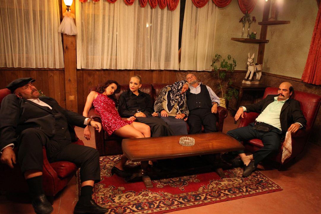 Dügün Dernek : Fotograf Ahmet Kural, Jelena Božic, Kemal Inci, Lelde Dreimane, Rasim Öztekin