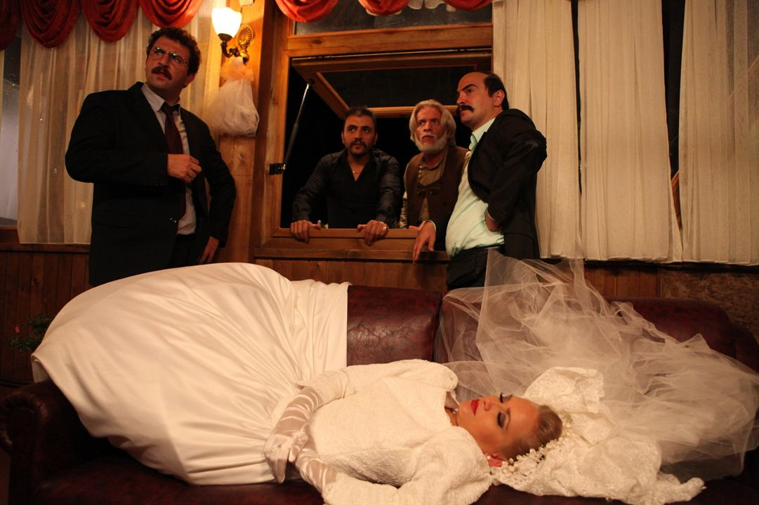 Dügün Dernek : Fotograf Ahmet Kural, Baris Yildiz, Jelena Božic, Murat Cemcir, Sinasi Yurtsever