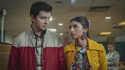 """Netflix'in Popüler Dizisi """"Sex Education"""" 3. Sezonundan Yeni Fragman"""