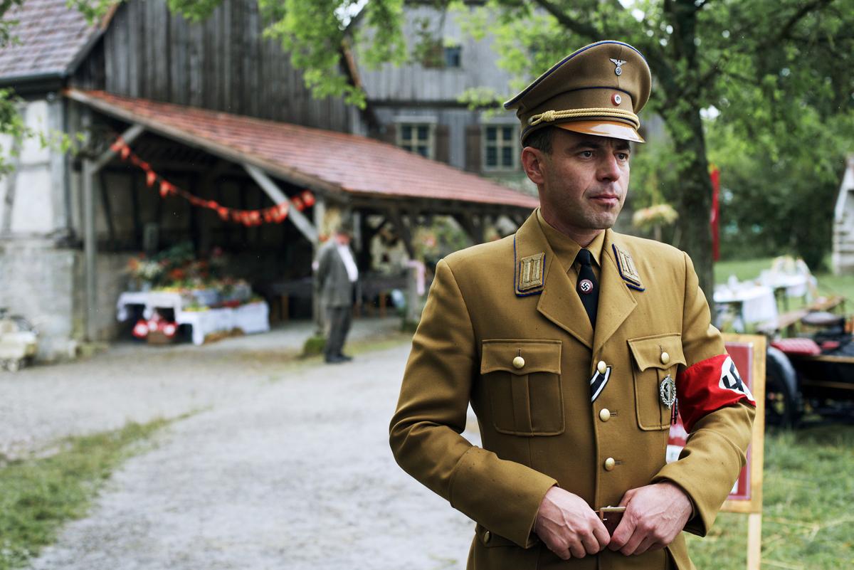 Костюм немецкие фильмы полнометражные теток