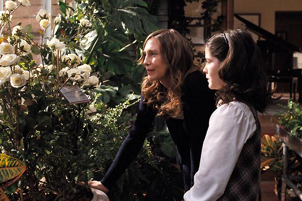 Evdeki Düşman: Isabelle Fuhrman, Vera Farmiga