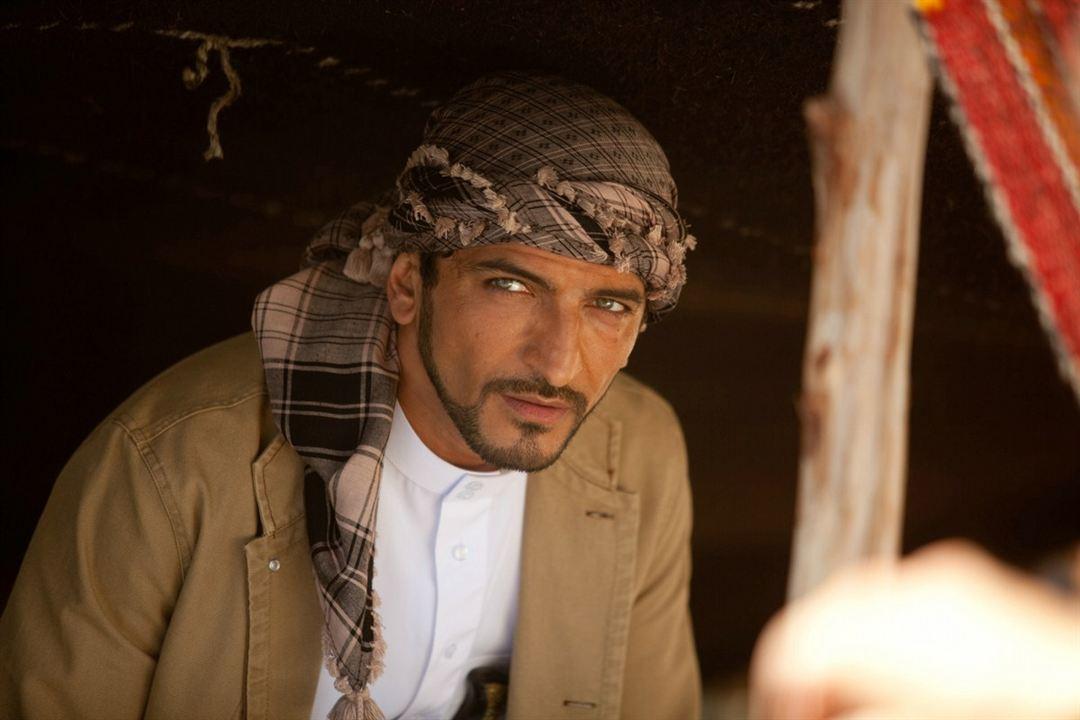 Salmon Fishing in the Yemen: Amr Waked
