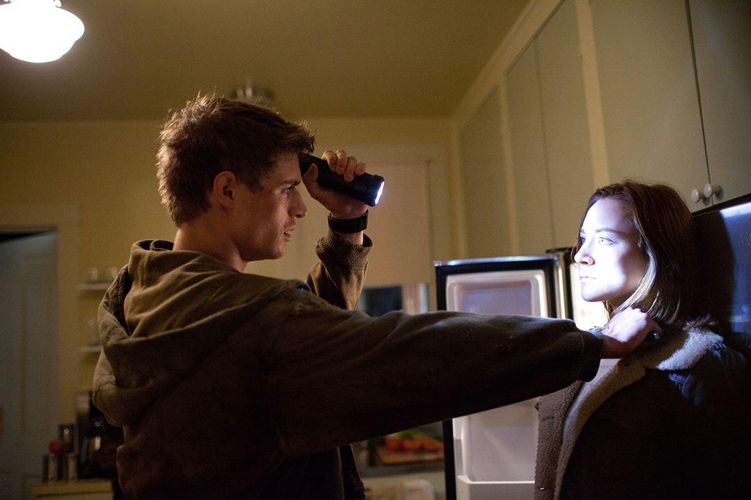 Göçebe: Saoirse Ronan, Max Irons