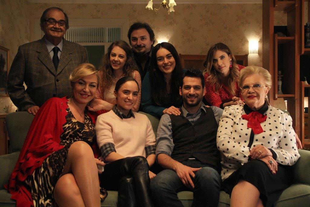 Kocan Kadar Konus : Fotograf Eda Ece, Ezgi Mola, Gül Arici, Gülenay Kalkan, Ismail Incekara