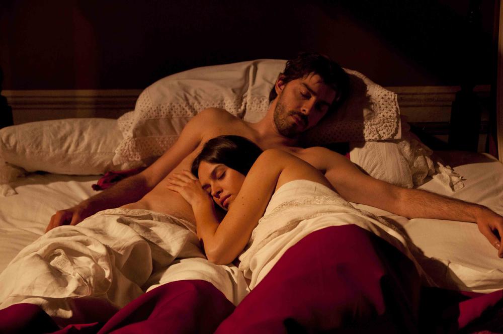 seks-kino-film-s-russkimi-devushkami-porno-filmi-v-odezhde-smotret
