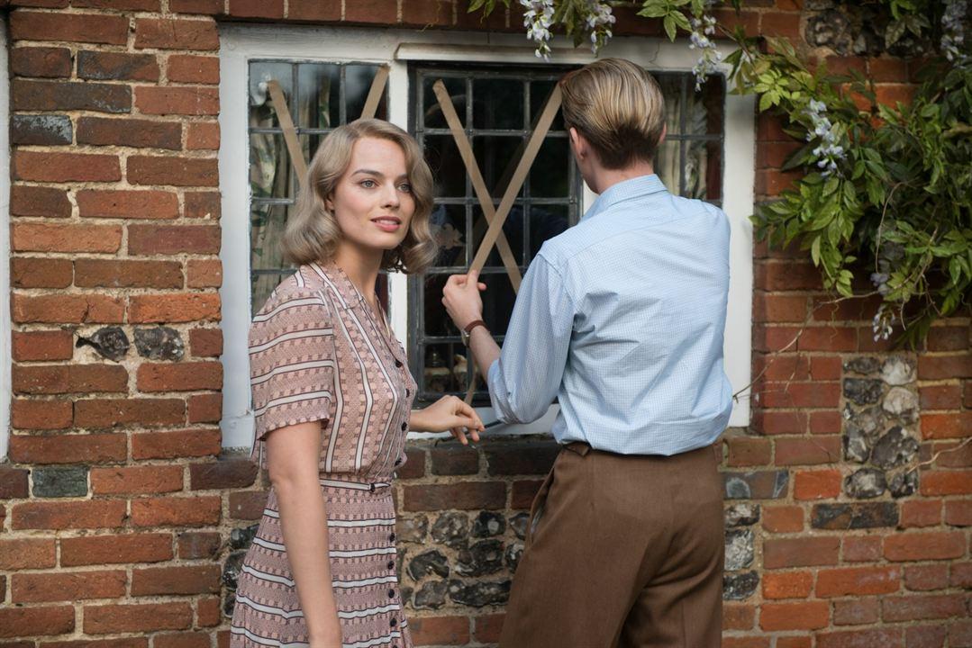Goodbye Christopher Robin: Margot Robbie