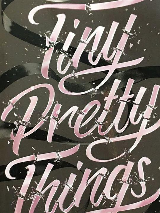 Tiny Pretty Things : Afis