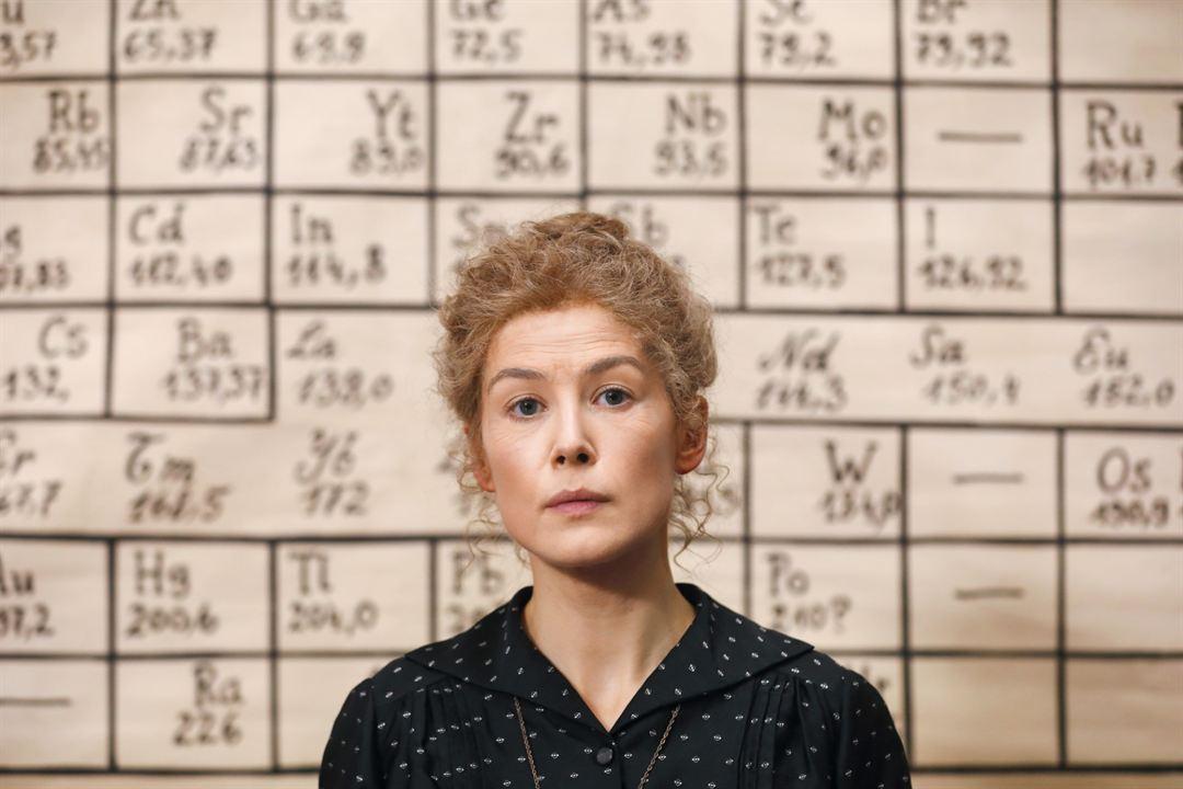 Radyoaktif: Rosamund Pike